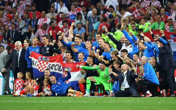 Reprezentativci Hrvatske proslavljaju pobedu nad Engleskom i plasman u finale - Sputnik Srbija