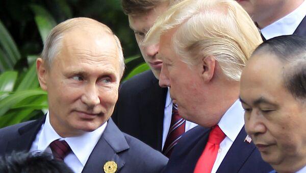 Wladimir Putin und Donald Trump bei ASEAN-Gipfel in Danang - Sputnik Srbija