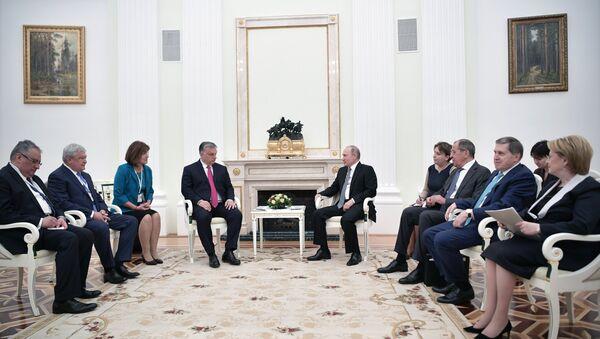 Председник Русије Владимир Путин и премијер Мађарске Виктор Орбан - Sputnik Србија