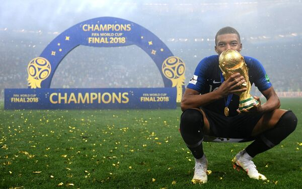 Килијан Мбапе проглашен најбољим младим играчем светског првенства - Sputnik Србија