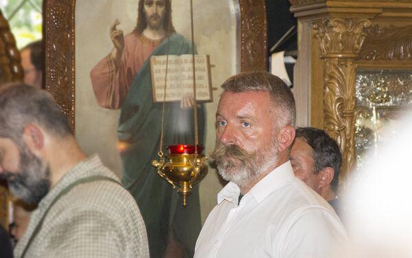 Боро Ђукић, протерани почасни руски конзул у Црној Гори присутвовао је литургији у храму Свете Тројце - Sputnik Србија