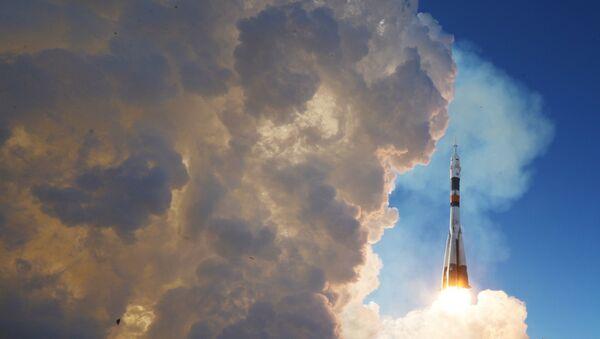 Лансирање ракете-носача Сојуз ФГ са транспортним бродом Сојуз МС-07 са космодрома Бајконур - Sputnik Србија