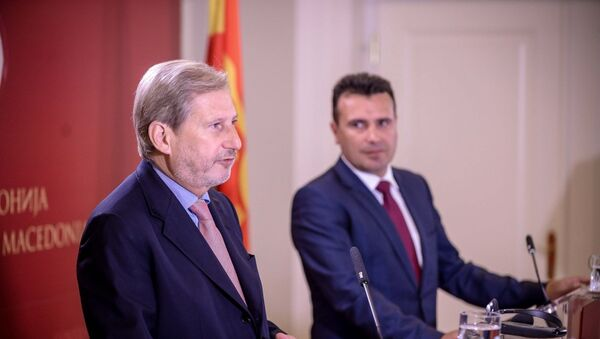 Јоханес Хан и Зоран Заев - Sputnik Србија