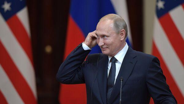 Председник Русије Владимир Путин током заједничке конференције за медије са америчким председником Доналдом Трампом у Хелсинкију - Sputnik Србија