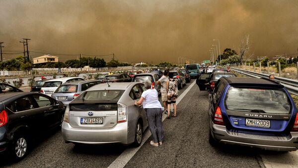 Evakuacija ljudi od požara u blizine Atine, Grčka - Sputnik Srbija