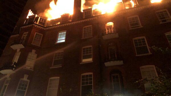 Пожар у згради у Лондону - Sputnik Србија