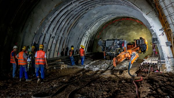 Пробијање тунела код Чортановаца - Sputnik Србија