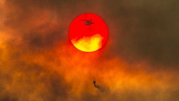 Ватрогасци гасе пожар у Калифорнији - Sputnik Србија