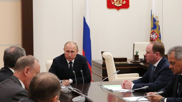 Руски председник Владимир Путин на седници Савета безбедности Русије - Sputnik Србија