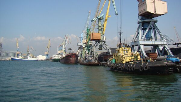 Бердянский морской торговый порт на Азовском море, Украина - Sputnik Србија