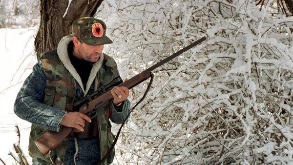 Pripadnik terorističke OVK na KiM 1999. godine - Sputnik Srbija