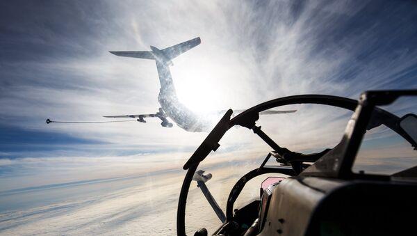 Avion za dopunu goriva Il-78 na vojnim vežbama pomorske avijacije Crnomorske flote u Jejskom regionu - Sputnik Srbija
