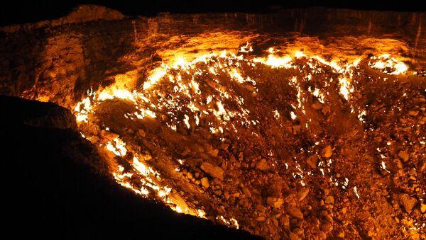 Vrata pakla: Gasni krater Darvaza u Turkmenistanu Darvaza - Sputnik Srbija