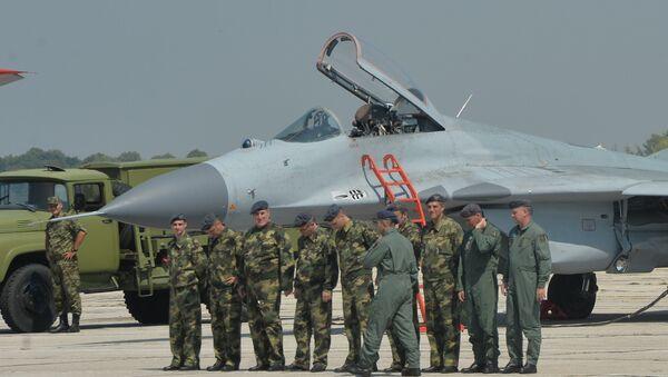 Avion MIG 29 na aerodroomu Batajnica - Sputnik Srbija