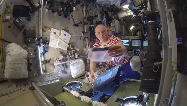 Ruski kosmonaut Oleg Artemjev na Međunarodnoj svemirskoj stanici - Sputnik Srbija