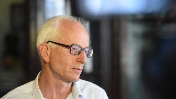 Slavista, profesor Instituta za slavistiku Univerziteta u Hamburgu dr Robert Hodel - Sputnik Srbija