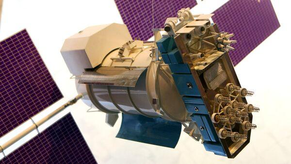 Макета савремене навигационе свемирске летелице Глонасс М - Sputnik Србија