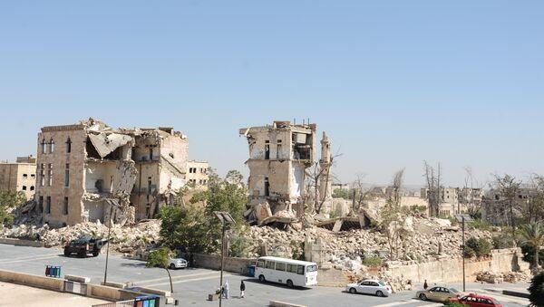 Ispod ruševina ove zgrade se nalazi tunel, putem kojeg su teroristi  hteli  da uđu u tvrđavu Alepa. Nisu uspeli u tome - Sputnik Srbija