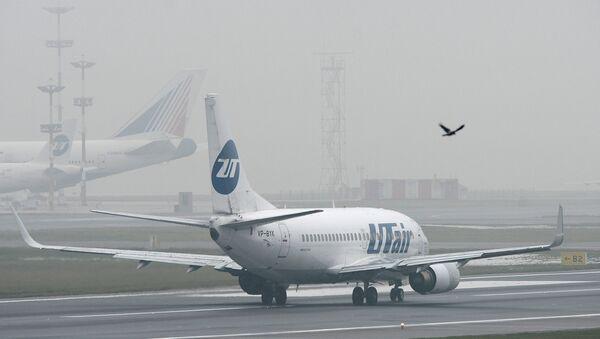 Avion Boing 737 kompanije Juter na aerodromu Vnukovo - Sputnik Srbija