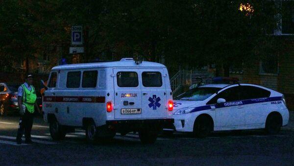 Полиција и хитна помоћ у центру Доњецка након експлозије у кафеу Сепар у којој је погинуо лидер ДНР Александар Захарченко - Sputnik Србија