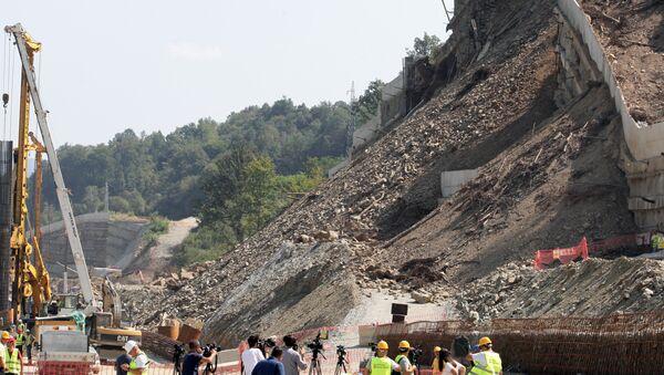 Срушени потпорни зид у Грделичкој клисури испред тунела Предејане - Sputnik Србија