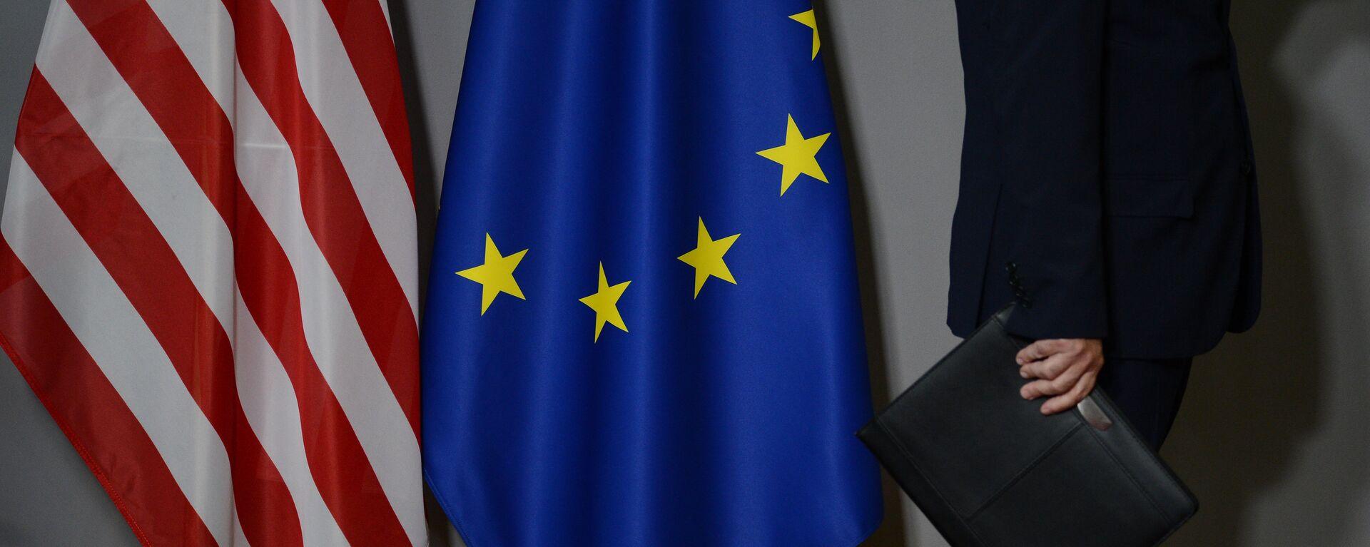 Заставе САД и Европске уније у Бриселу - Sputnik Србија, 1920, 21.09.2021