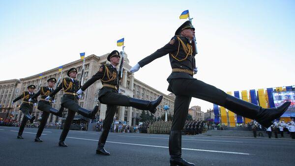 Војници на генералној проби војне параде за Дан независности Украјине у центру Кијева - Sputnik Србија