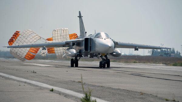 Су-24 у Латакији - Sputnik Србија