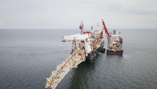 Пловило Солитер на Балтичком мору током постављања цеви за гасовод Северни ток 2 - Sputnik Србија