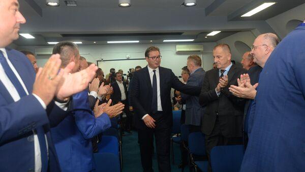 Aleksandar Vučić sa predstavnicima Srba sa KiM - Sputnik Srbija