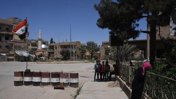 Stanovnici sirijskog grada Dejr el Zor - Sputnik Srbija