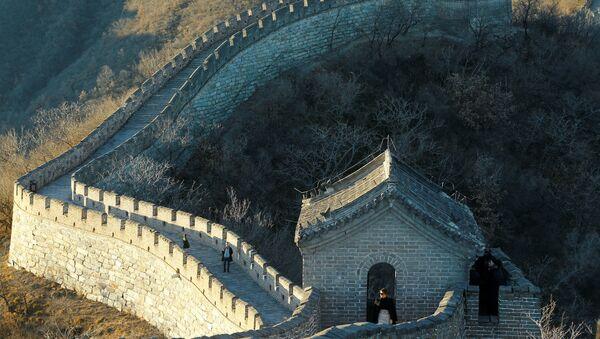 Prva dama SAD Melanija Tramp tokom posete Kineskom zidu - Sputnik Srbija