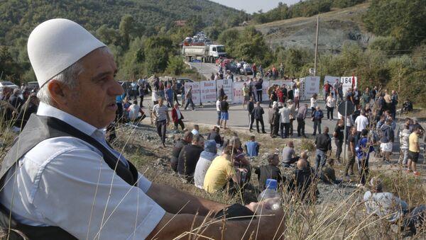Албанци поставили блокаду током посете председника Србије Косову и Метохији 9. септембра 2018. - Sputnik Србија