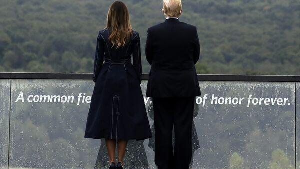 Меланија и Доналд Трамп на комеморацији жртвама лета 93 11. септембра у Пенсилванији. - Sputnik Србија