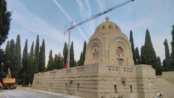 Док трају радови посетиоцима је забрањен улазак на гробље на Зејтилнику. - Sputnik Србија