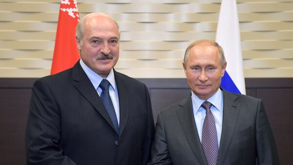 Predsednici Belorusije i Rusije, Aleksandar Lukašenko i Vladimir Putin na sastanku u Sočiju - Sputnik Srbija