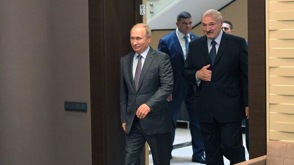 Predsednici Rusije i Belorusije, Vladimir Putin i Aleksandar Lukašenko, na sastanku u Sočiju - Sputnik Srbija