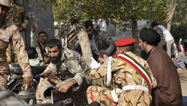 Iranski vojnici tokom terorističkog napada na vojnoj paradi u gradu Ahvazu - Sputnik Srbija