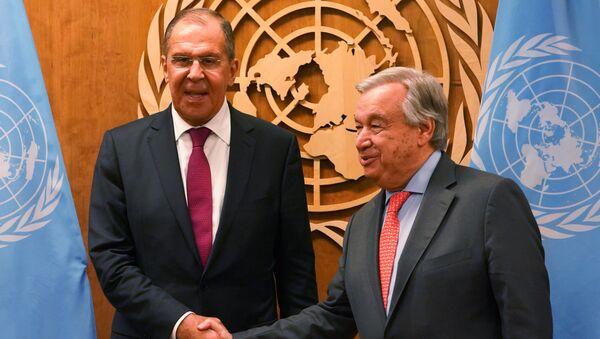 Ministar spoljnih poslova Rusije i generalni sekretar UN Antonio Gutereš na sastanku u UN - Sputnik Srbija