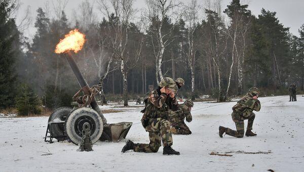 NATO vojnici na vojnoj vežbi - arhivska fotgrafija - Sputnik Srbija
