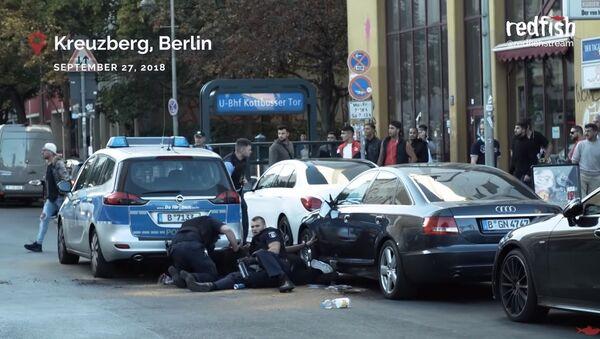 Бруталност полиције у Берлину - Sputnik Србија