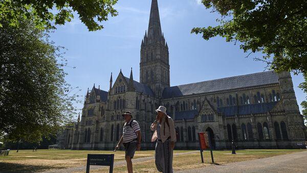 Turisti ispred katedrale u Solsberiju na jugu Engleske - Sputnik Srbija