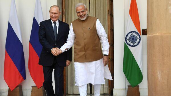 Predsednik Rusije Vladimir Putin i premijer Indije Narendra Modi - Sputnik Srbija