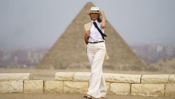 Америчка прва дама Меланија Трамп у Гизи, близу Каира - Sputnik Србија