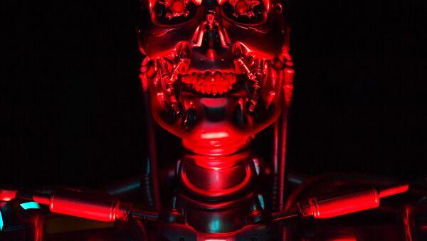 Robot T-800 Endosklet koji je korišćen u filmu Terminator na Izložbi robota u Londonu, 7. februara 2017. - Sputnik Srbija