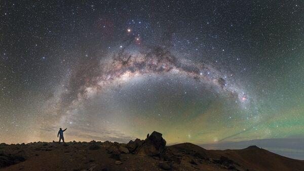 Млечный путь над Паранальской обсерваторией в пустыне Атакама - Sputnik Србија