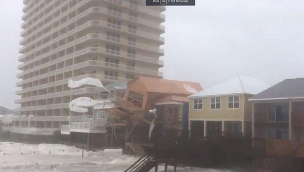 Uragan Majkl ruši kuću na Floridi - Sputnik Srbija