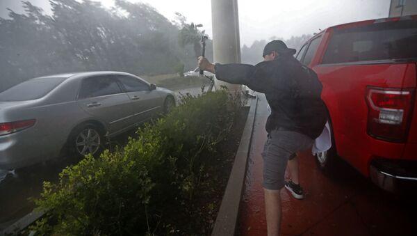 Uragan Majkl svom silinom udara u Floridu - Sputnik Srbija