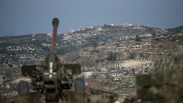 Артиљерија сиријске војске на положајима у провинцији Идлиб на северо-западу Сирије - Sputnik Србија