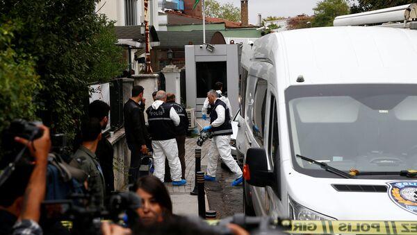 Конзулат Саудијске Арабије у Истанбулу, форензичари на месту убиства новинара Хашогија - Sputnik Србија